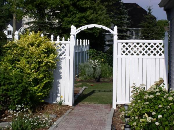 2004 Side Garden